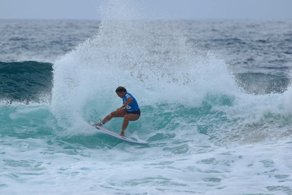 QS Tour Pro Surfer Holly Wawn