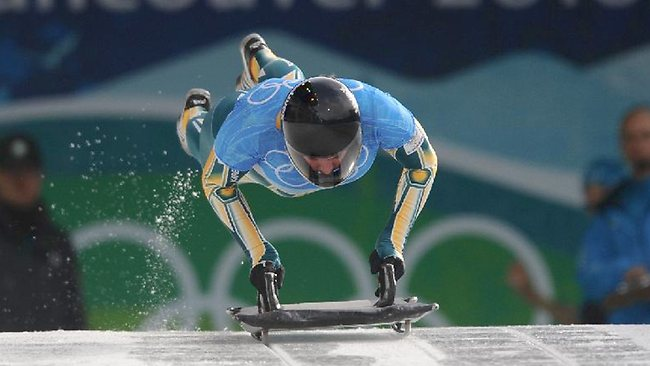 Emma Lincoln-Smith competing in the Women's Skeleton at the 2010 WInter Olympics